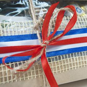 Коробка подарочная с чаем - Триколор купить за 800 руб.