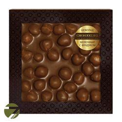 Неровный шоколад в коробке Chokolelika Молочный с фундуком, 80 гр купить за 330 руб.
